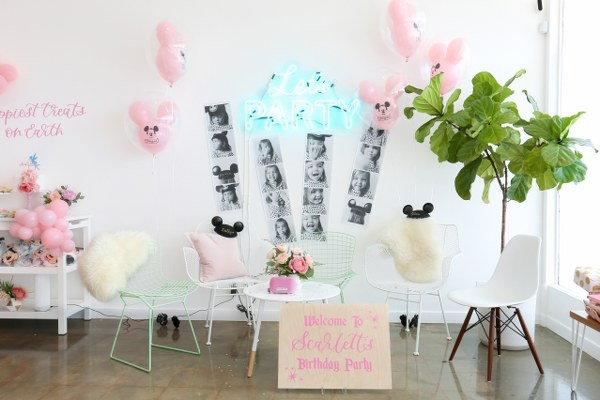 MV Florals Vintage Disney Birthday Party (23)_600x400.jpg