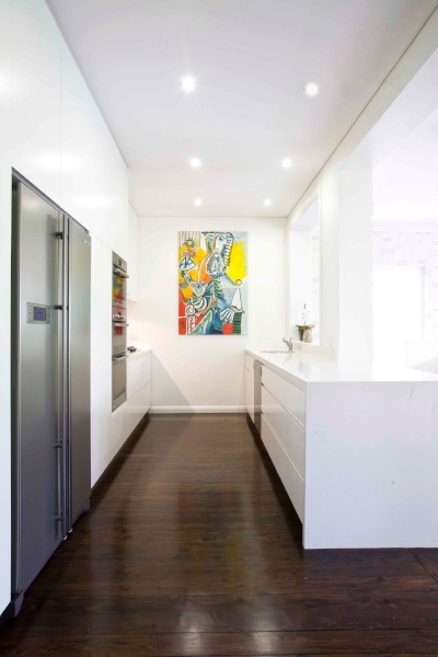 Brand New White Kitchen with Painting 1.jpg