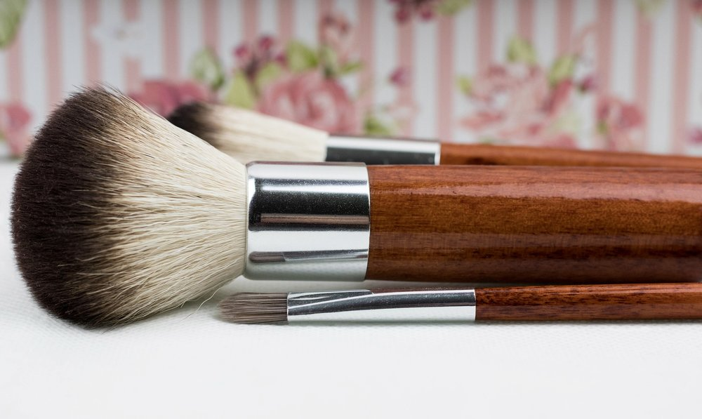 makeup brushes flower wallpaper.jpg