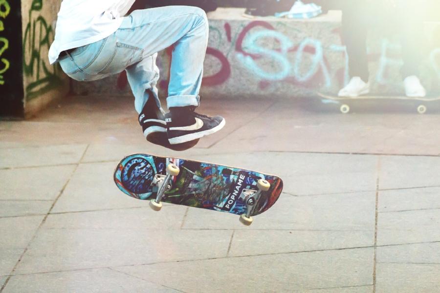 skateboarder-2373728_1920.jpg