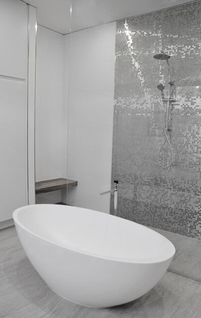 Tiled bathroom (medium).jpeg