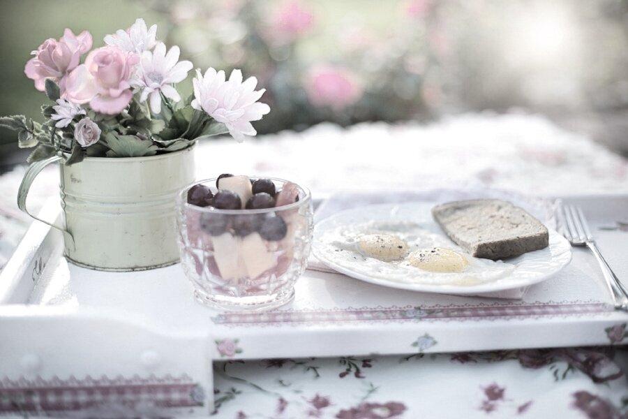 Tray food flowers plate.jpg