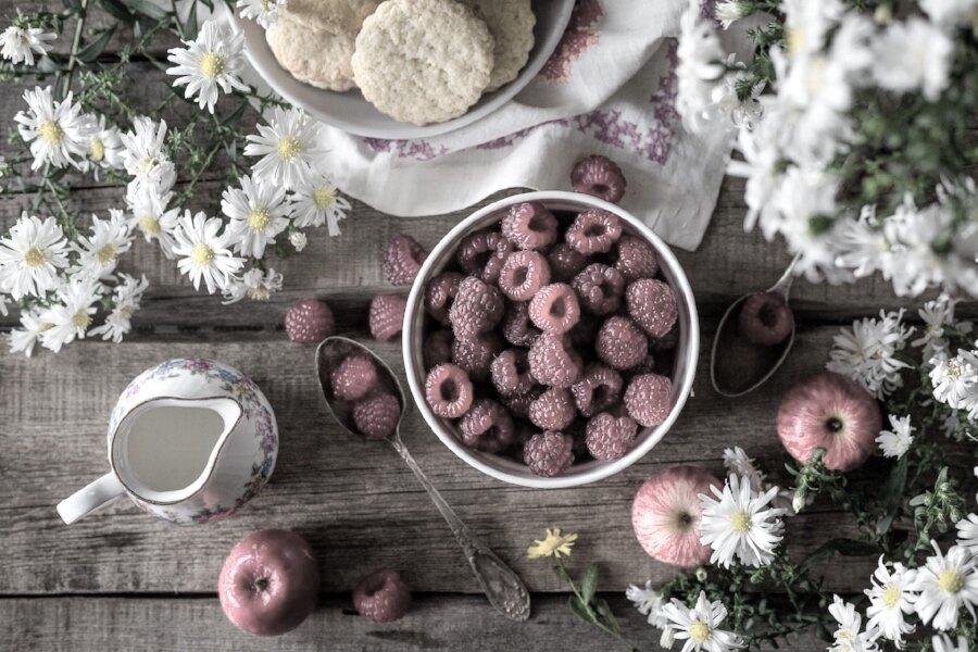 tray berries jug flowers.jpg