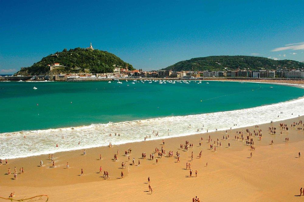 Best-Beaches-In-Spain-1.-Playa-de-la-Concha-San-Sebastian.jpg