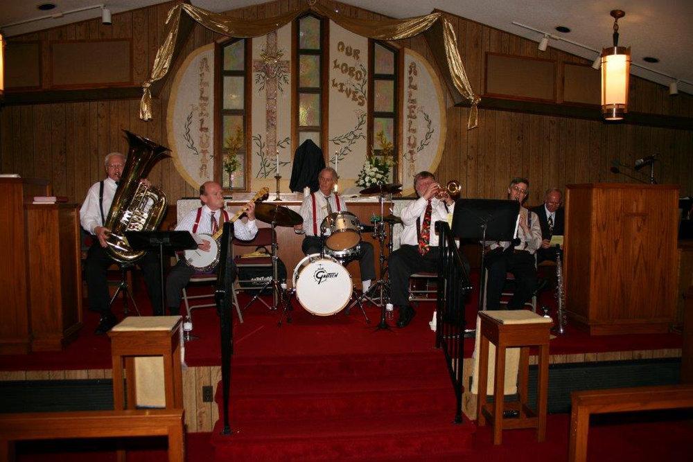 easter jazz band w midiri.jpg