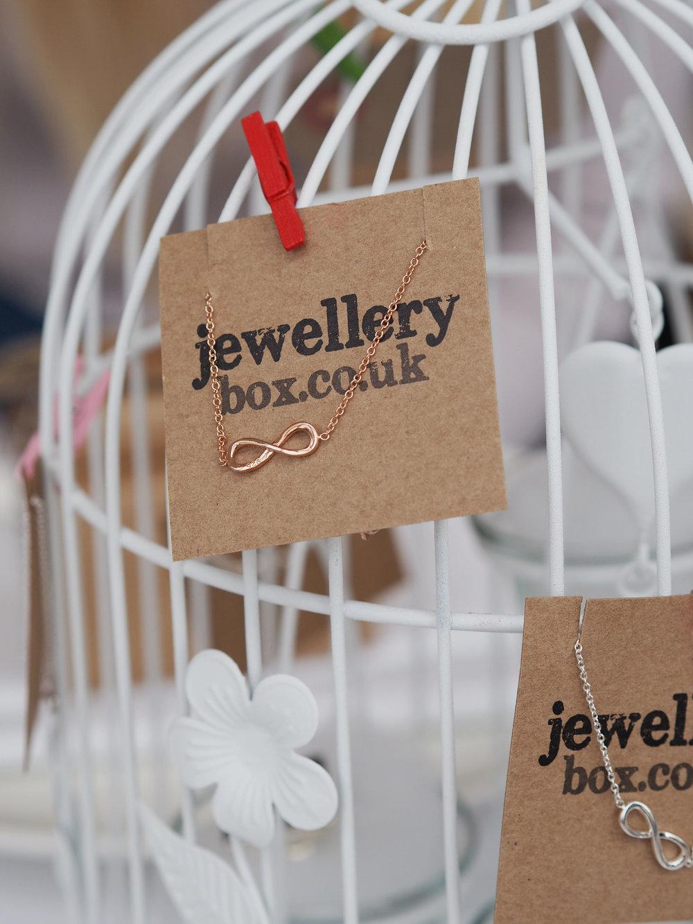 JewelleryBoxSky 459485948.jpg