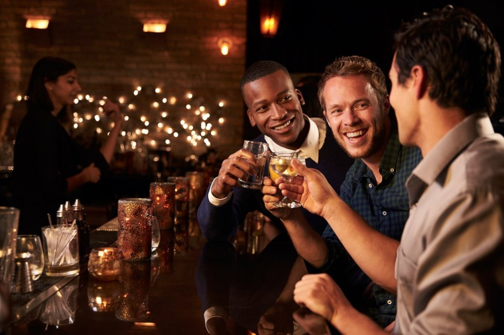 guys_having_a_drink_cape_town_bar-1024x682.jpg
