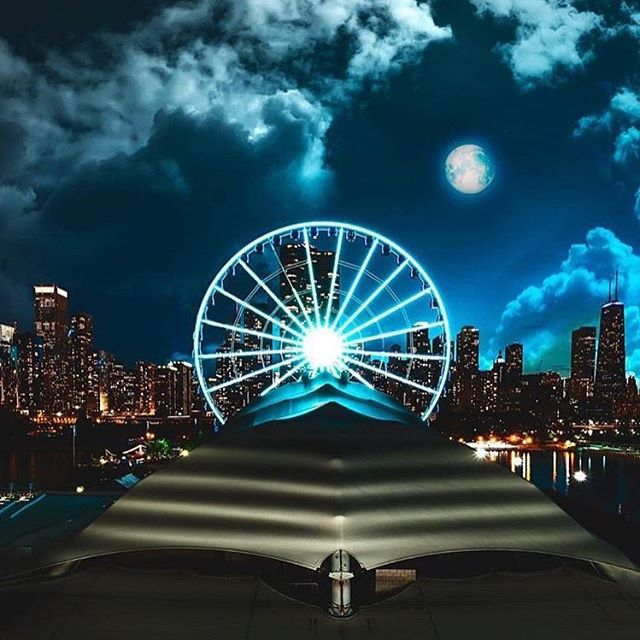 #boom - happy #4th weekend from #Chicago! 🙌🏼🌃💥 📸: @bklynborn81 . . . . . .#summertimechi #foj #instachicago #likechicago #chitown #chicagojpg #chicagolove #chicagoblogger #chicagogram #instachicago #windycity #windycitybloggers #chi #like4like #followforfollow #followtrain #happy #love #fireworks #friday #cool #views #fun #friyayvibes #weekend #longweekend #canada150