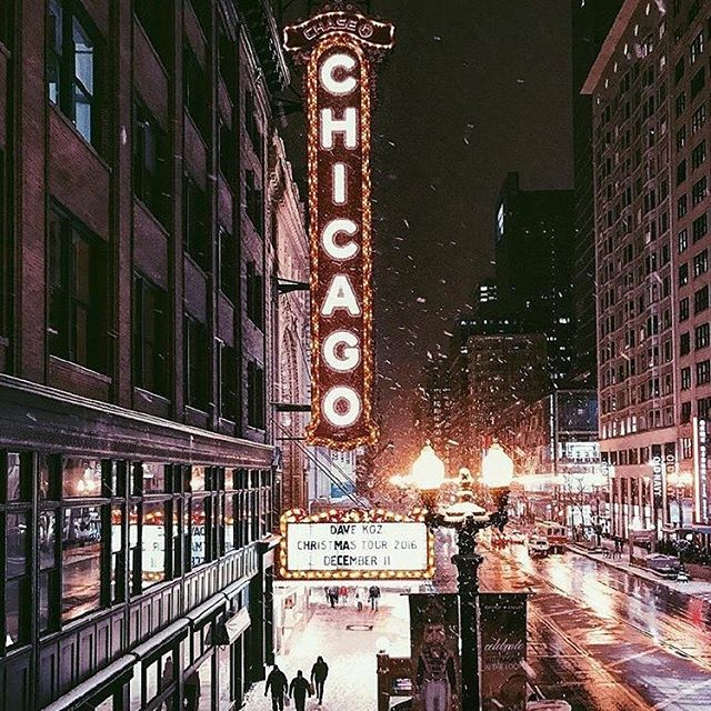 #sNOw way, #chicago - #flurries already? 🙈 welp, time to start planning for the #Holidays! See the updated #Chicago #events in the app today!! Download link in #bio! 📸: @chicagobucketlist • • • • • • #weather #november #snow #chicagogram #chigram #newyork #chicagolife #chicagotheatre #chicagoblogger #chicagojpg #chicagoevents #events #fun #weekend #tgif #snowflakes #views #cold #coldweather