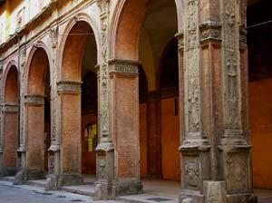 bologna-arches.jpg