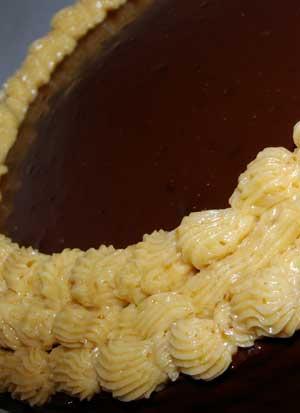 praline-cake-top.jpg