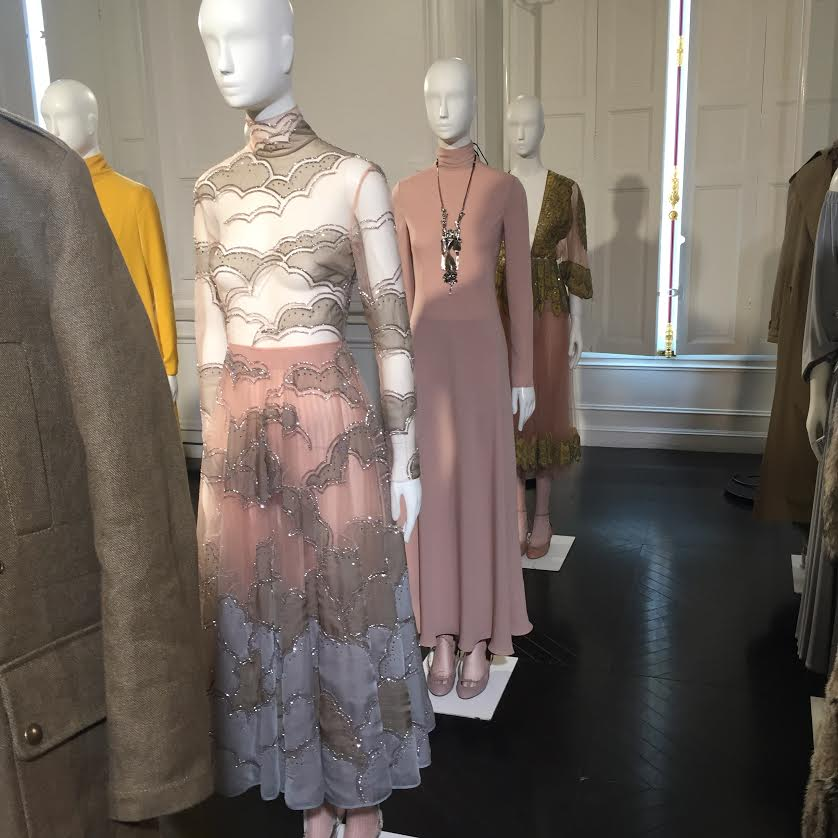 Valentino Fall 2016 Collection Preview - An elegant pink and classy sparkle.