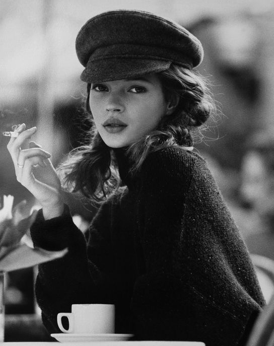 kate moss in black hat with cigg.jpg