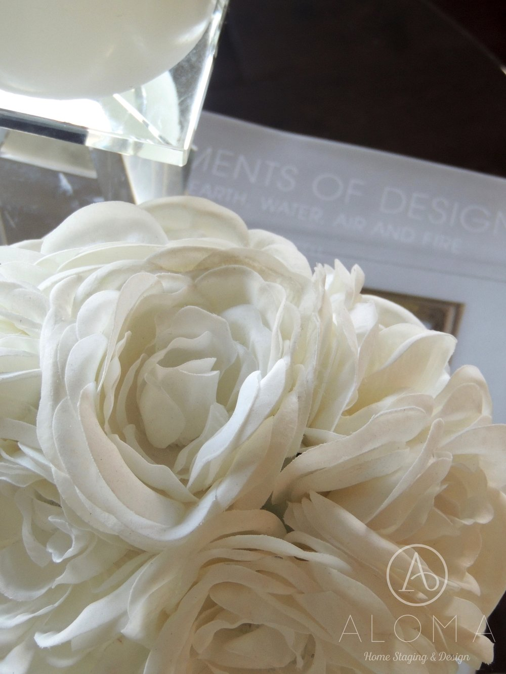 White flower arrangement by Aloma Home Staging & Design