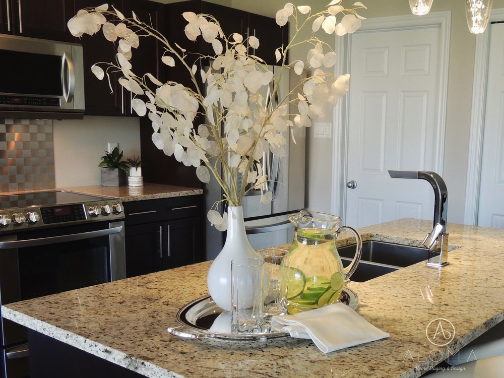 Kitchen counter staging by ALOMA Home Staging & Design