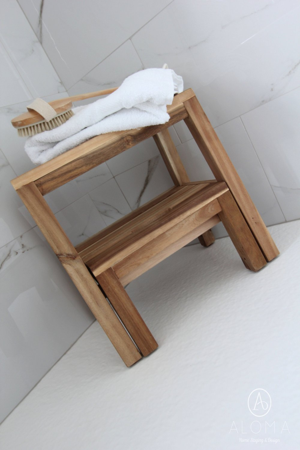 Wood Stool in Shower by ALOMA Home Staging & Design