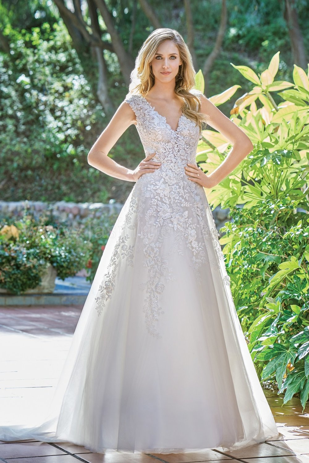 Jasmine Bridal 201065  size 14             Call for Pricing