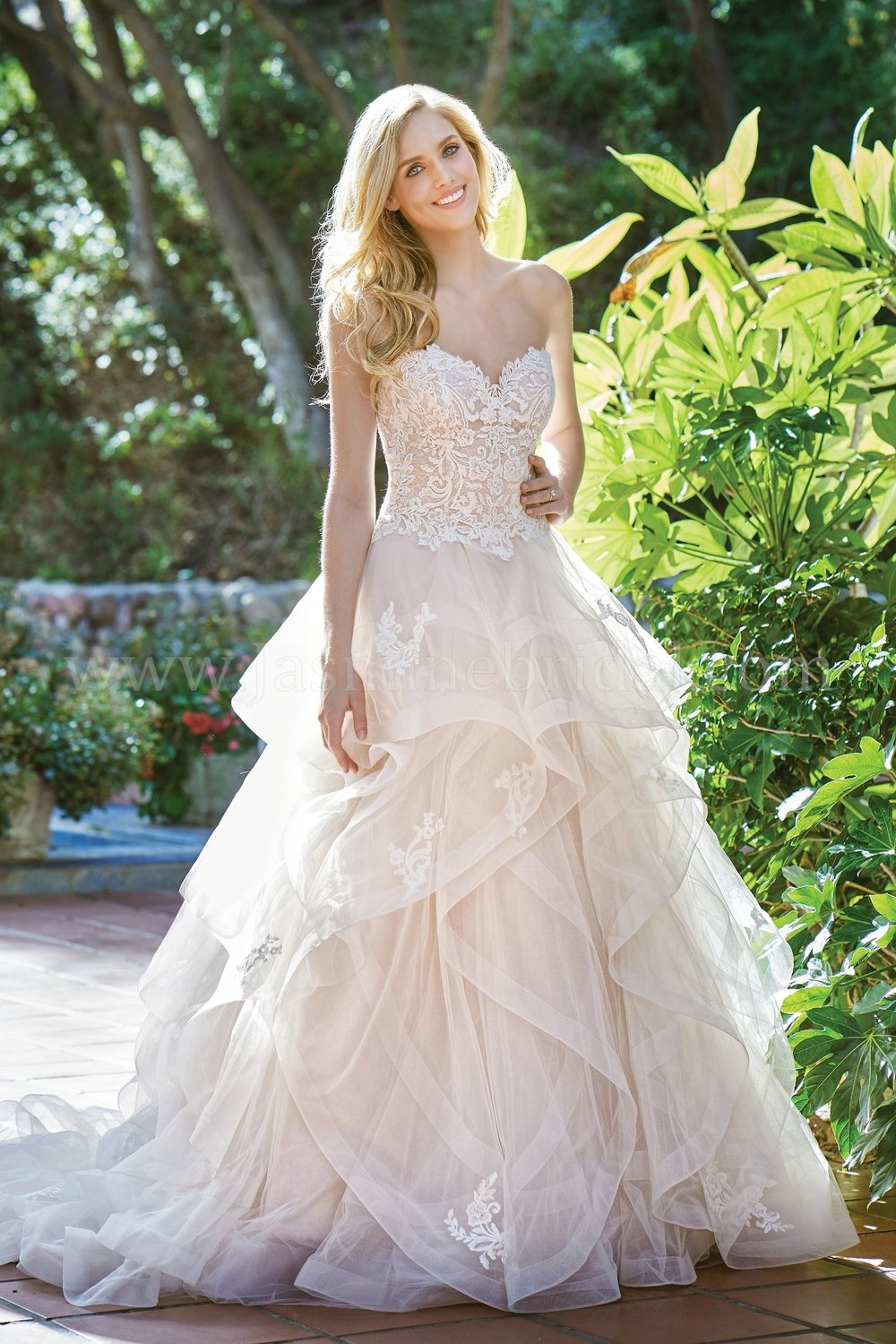 Jasmine Bridal 201068  size 18              Call for Pricing