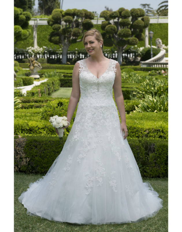 Venus Bridal VW8737  size 22             Call for Pricing