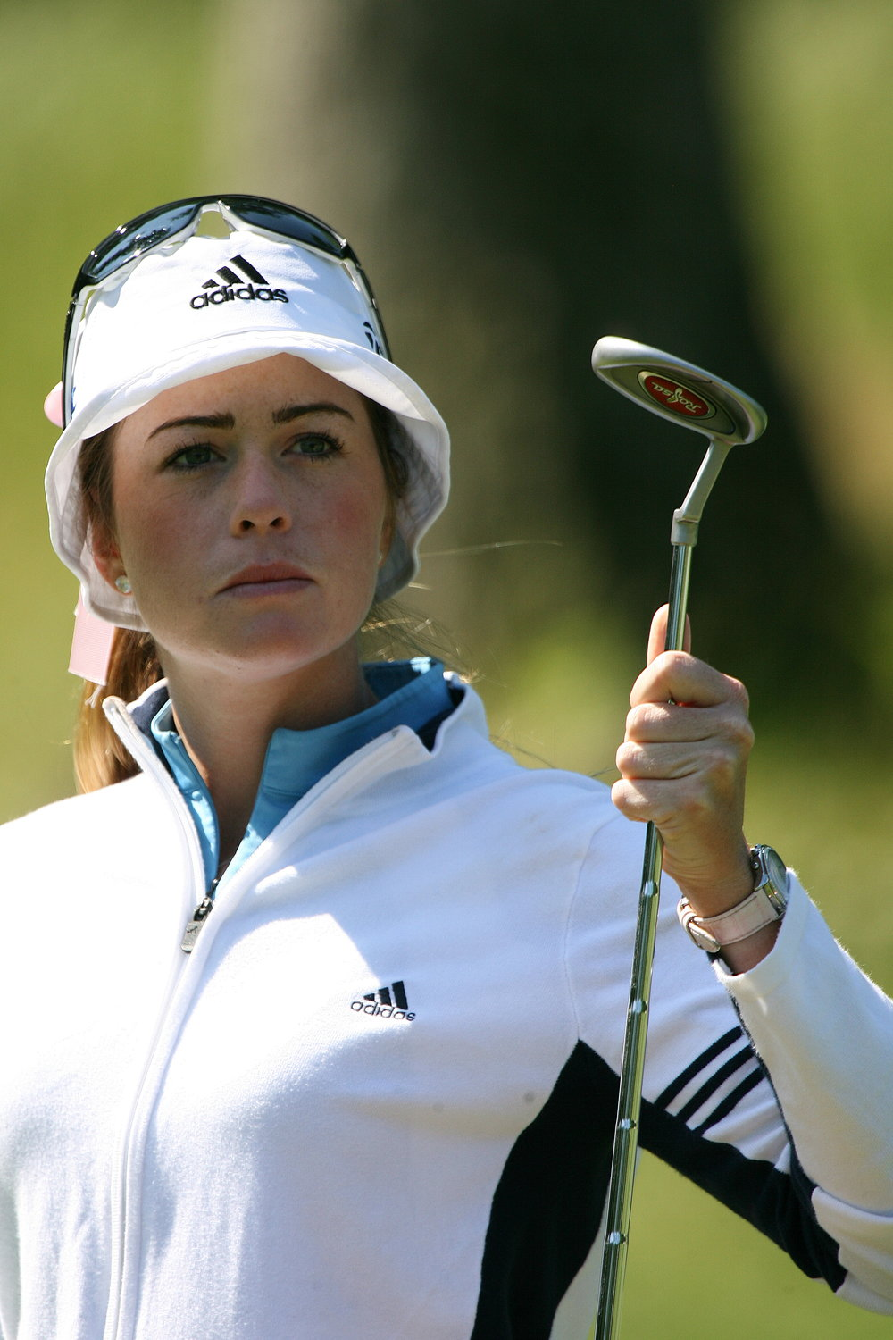 "Swing thought reminders aren't just for beginners and amateurs; pros rely on them, too.  LGPA Pro Paula Creamer, in her May 2016 Golf Digest story, ""How to Keep Your Streak Alive"", wrote:   -"