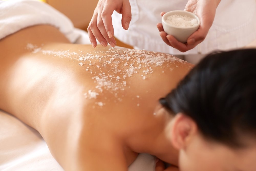 body scrub treatment at bangkok day spa for summer exfoliation