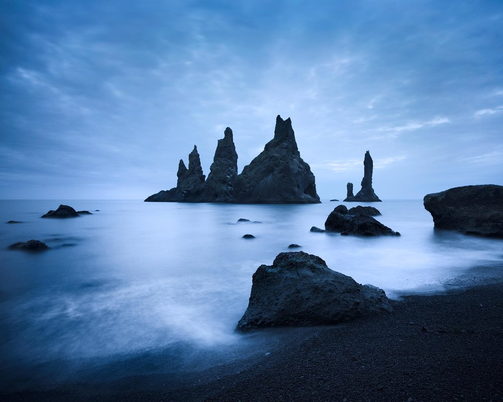 Blue Night, Vik