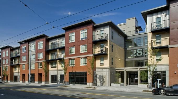 Eastlake 2851 Apartments