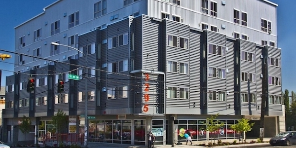 West Seattle, Residences at 3295