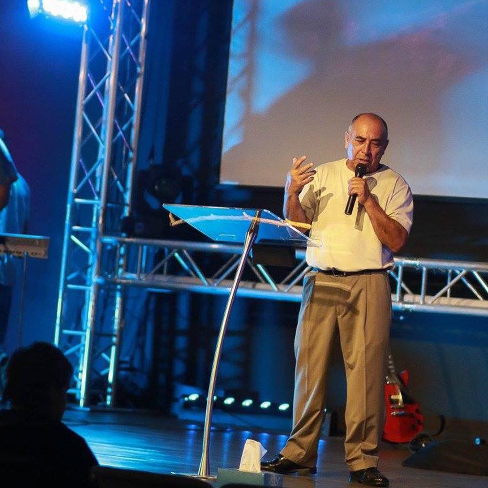 Pastor Ruben Duran