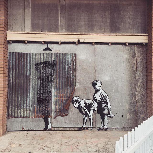 Banksy piece #hot #westonsupermare #dismaland #oidismaland #banksy #stencil #art