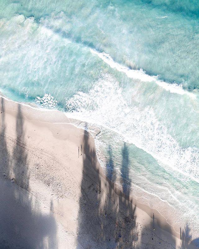 Long shadows = time for cocktails 🍸. Amazing photo of #cronullabeach by @jesse.lab ❤️. . . . #sydney #cronulla #beach #surf #aqua #turquoise #sand #sydneylocal #ilovesydney #sutherlandshire