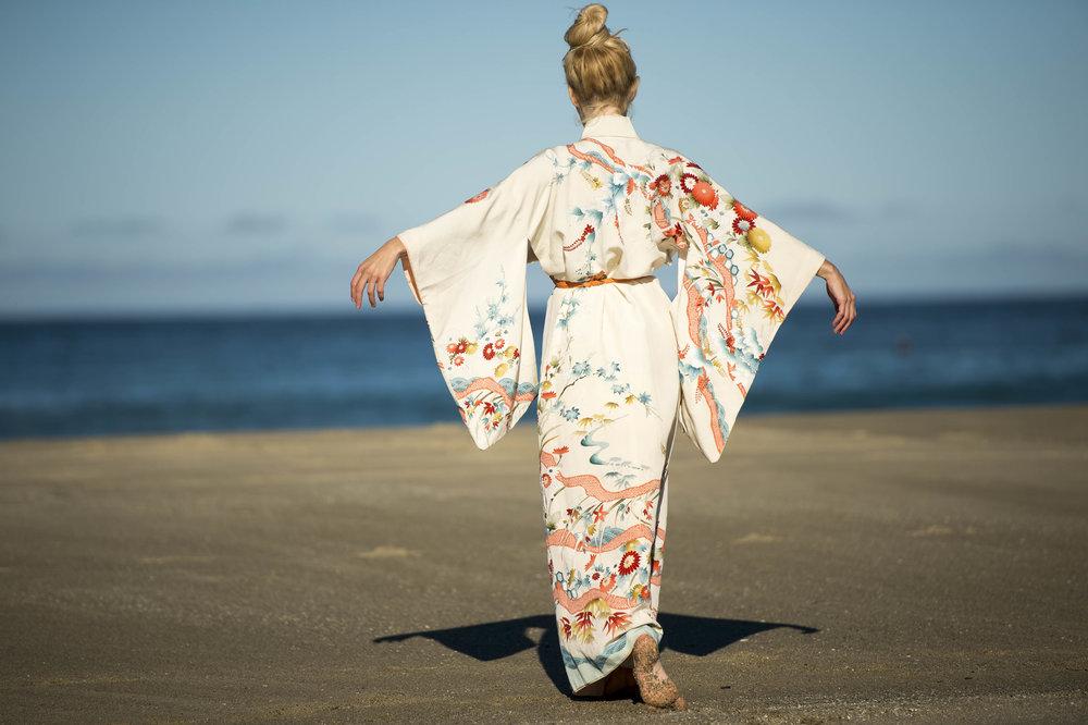 Annette_Kimono_1.jpg