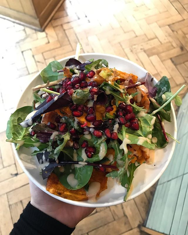 End the week right with one of our salads. Here is the maple roasted sweet potatoes with pomegranate and tahini dressing. YUM . . . . #lunch #salads #healthy #food #foodporn