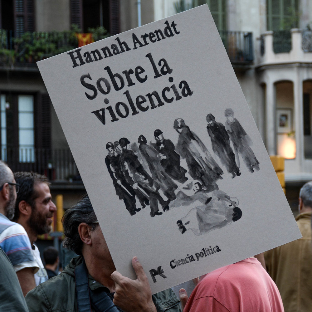 Via_Laietana_Demonstration_3Oct17-1-17.jpg