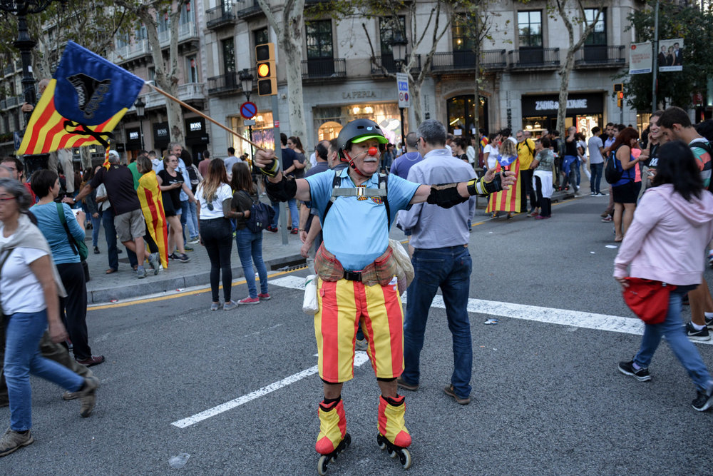 Via_Laietana_Demonstration_3Oct17-1-22.jpg
