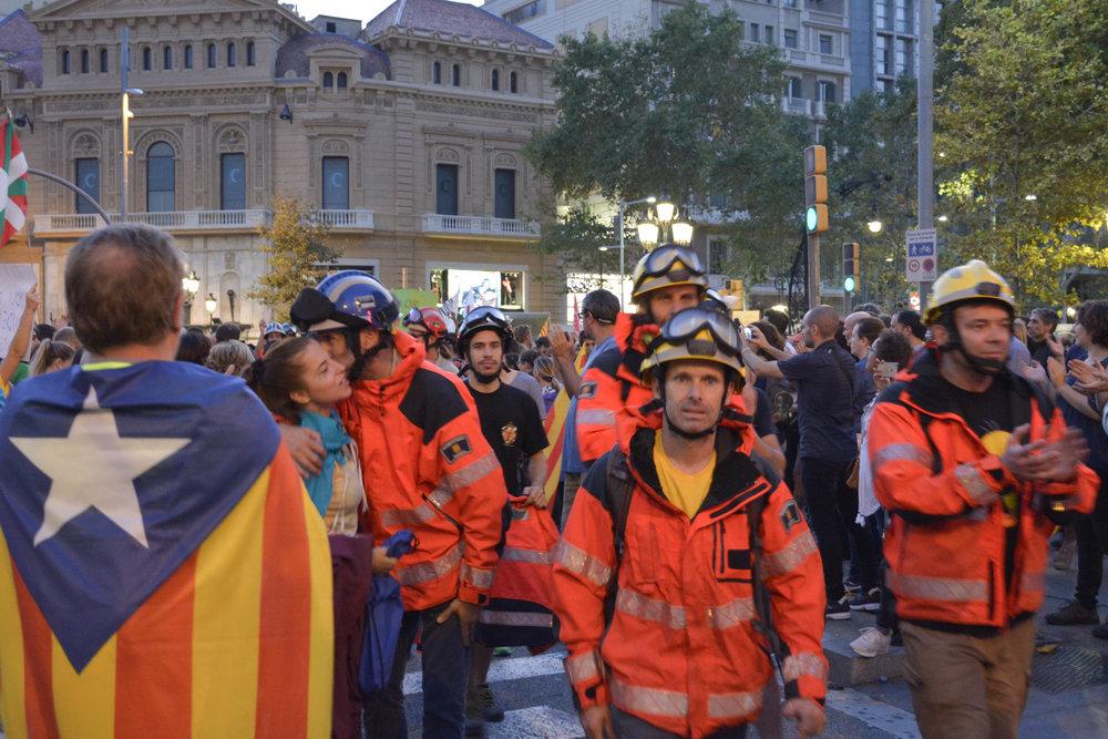 Via_Laietana_Demonstration_3Oct17-1-32.jpg