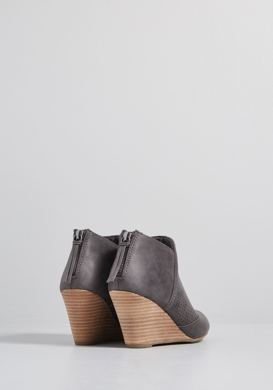10104378_elevated_amble_wedge_bootie_grey_ALT04.jpg