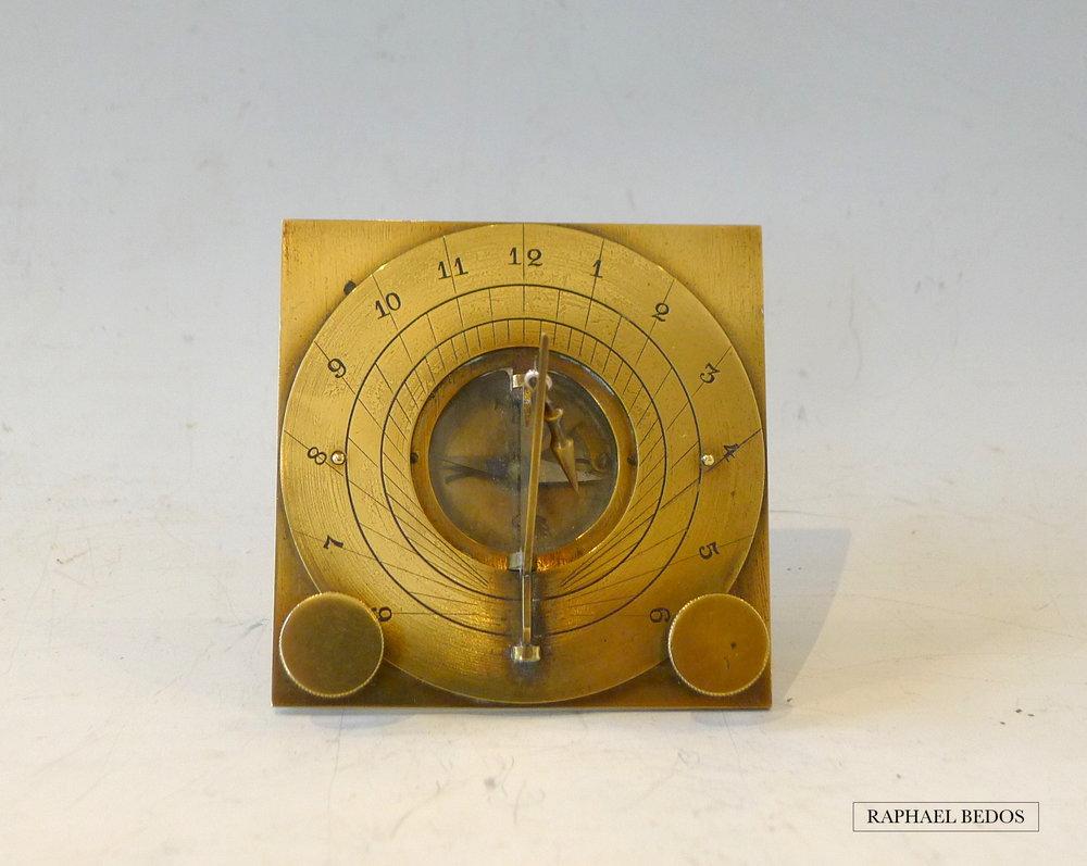 5.Cadran Horizontal, réglage du perpendiculaire par deux vis. XVIII°.
