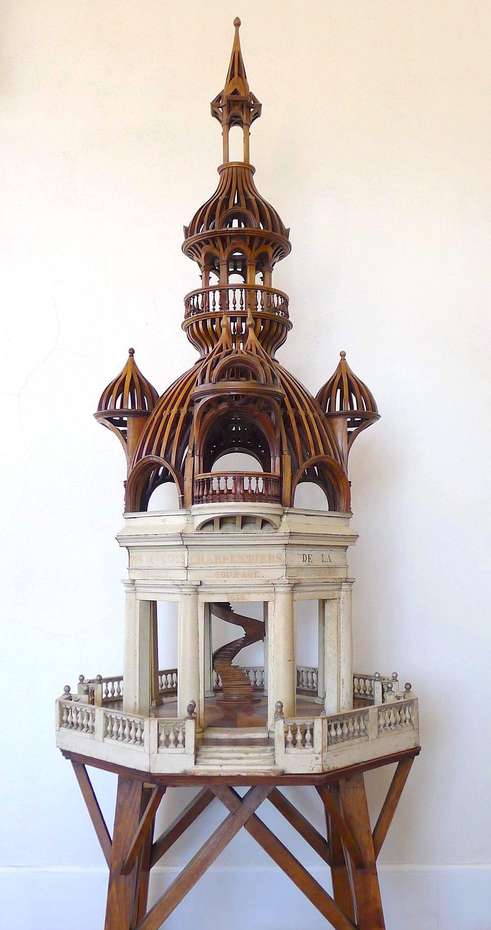 RESPECT - COURAGE - DEVOUEMENT - 1858  fait par la société des Ouvriers Charpentiers de la ville de Versailles