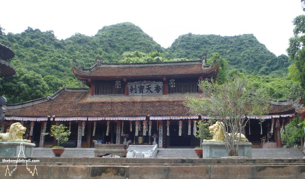 VIetnam Perfume Pagoda Temple.jpg