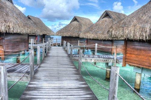 Tahiti - Suspended huts.jpg