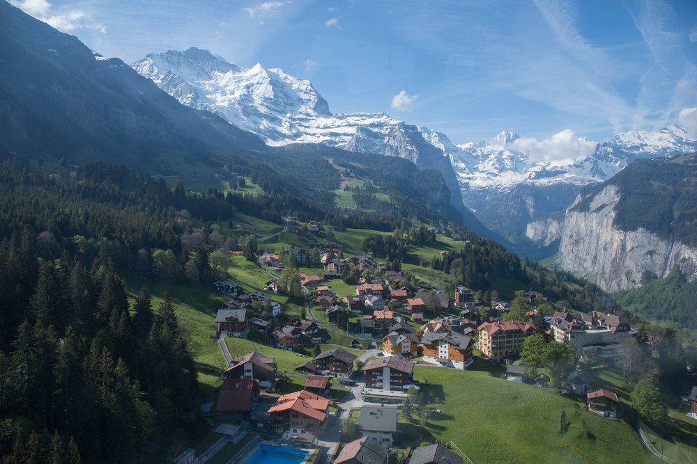 The view of Wengen while going up the mountain.