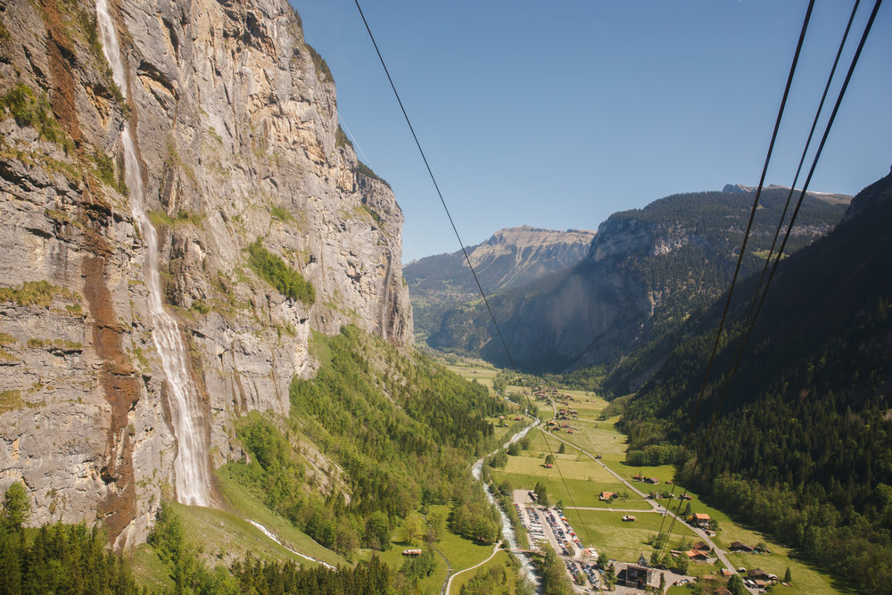 The view from the cable car going down to the valley.