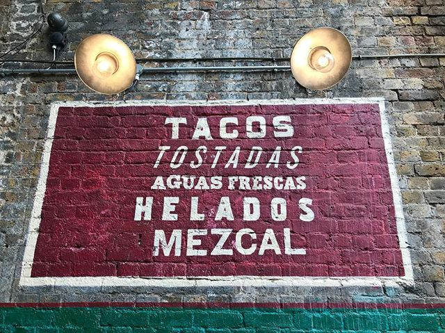 Love the colours on this sign and what's not to love when it comes to tacos?