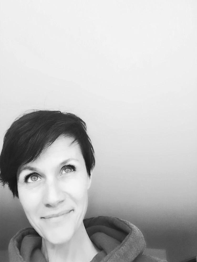 - Sion 1972Maturité Artistique Collège Voltaire GenèveDiplôme HES Designer ECAL LausanneDKO Design Ltd LondresStudio Creaholic Elmar Mock BiennePozzo Di Borgo Styling SA VeveyConsultant Nestlé High End Luxury ProductsGalerie Villa Mégroz, LutryGalerie Hôpital de MorgesUne nouvelle vie commence in Ticino...Expo de groupe France Tessin Bioggio