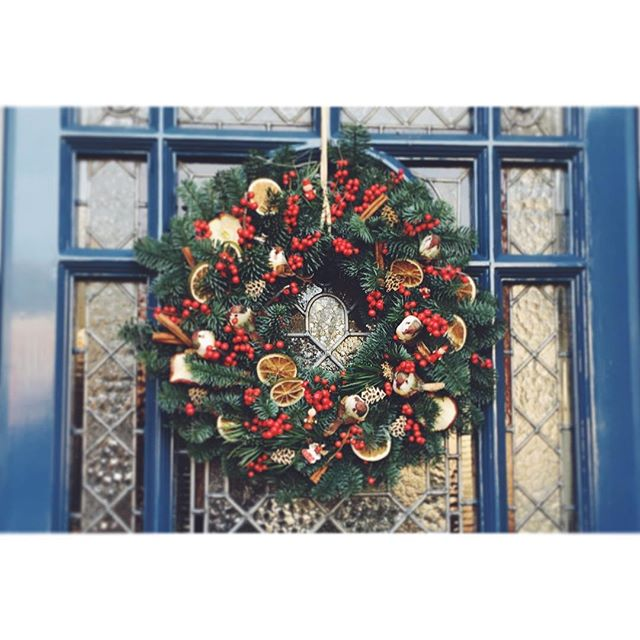 Hand made wreaths still available for Christmas delivery! 🎄🎁⛄️❄️ Drop me an email for more details ✌️️