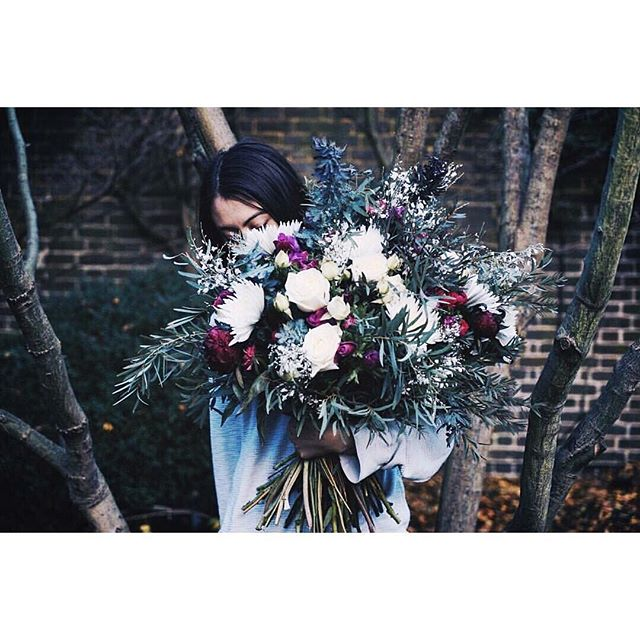 This little cherub @chikaeoh (hiding behind the flowers) has just announced a new workshop with @sabinefloral at @chaffeymoorgrange check out her insta for more info!! ✌️️