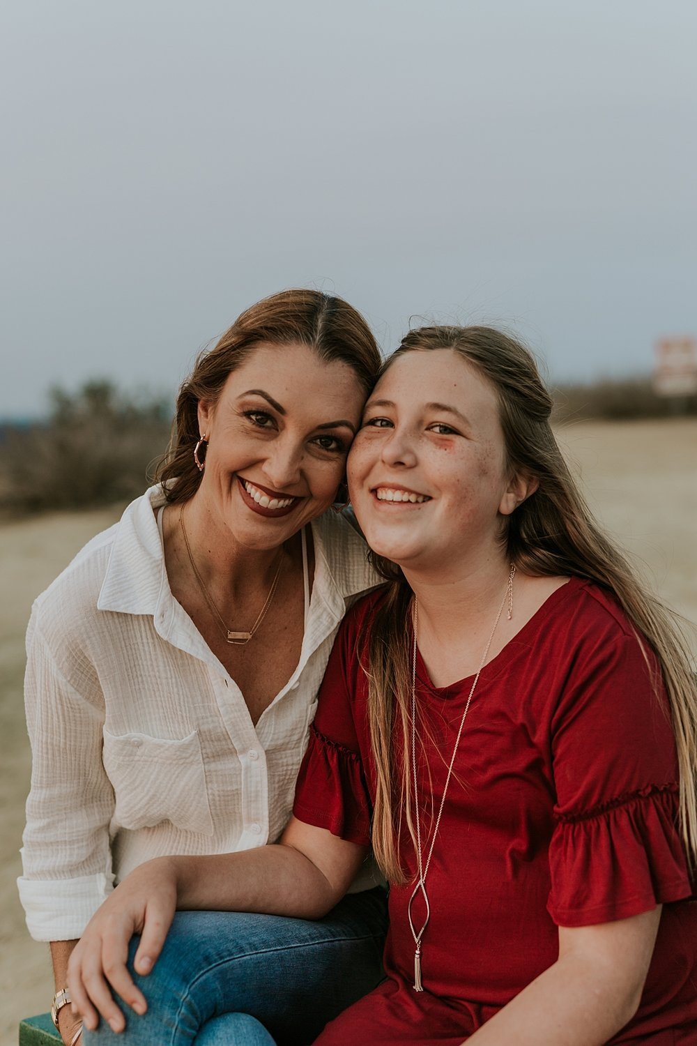 Orange County family photographer. Photo of mom and daughter by Krystil McDowall Photography