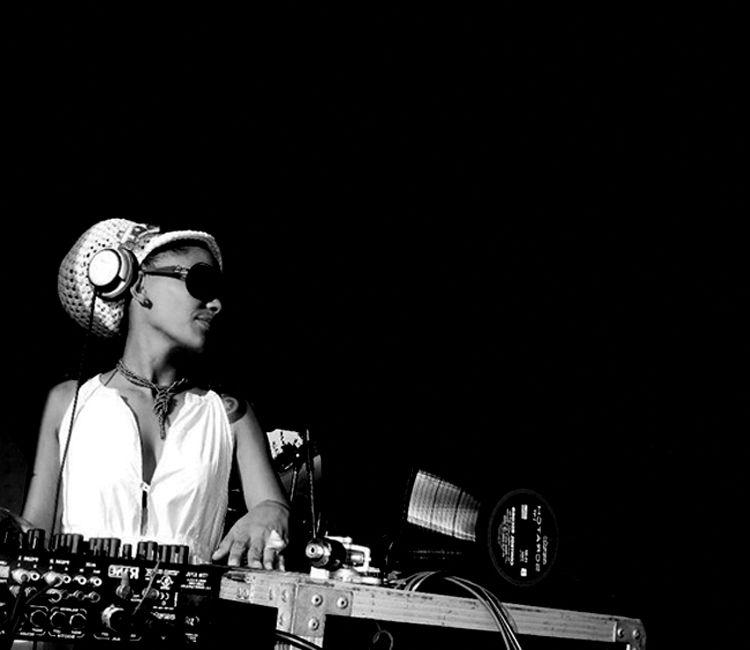 DJ-leydis.jpg