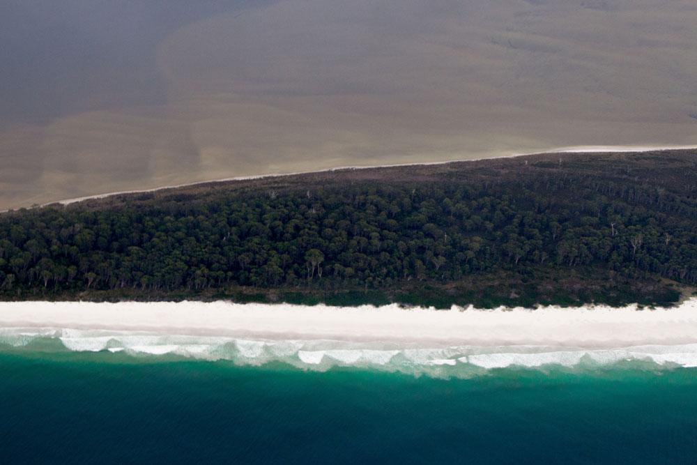 Mister-Weekender_Sea-Kayaking_Tasmania_Roaring-40s_3.jpg